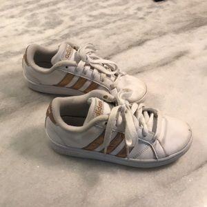 Adidas Baseline Girls' Sneaker, Size 13.5